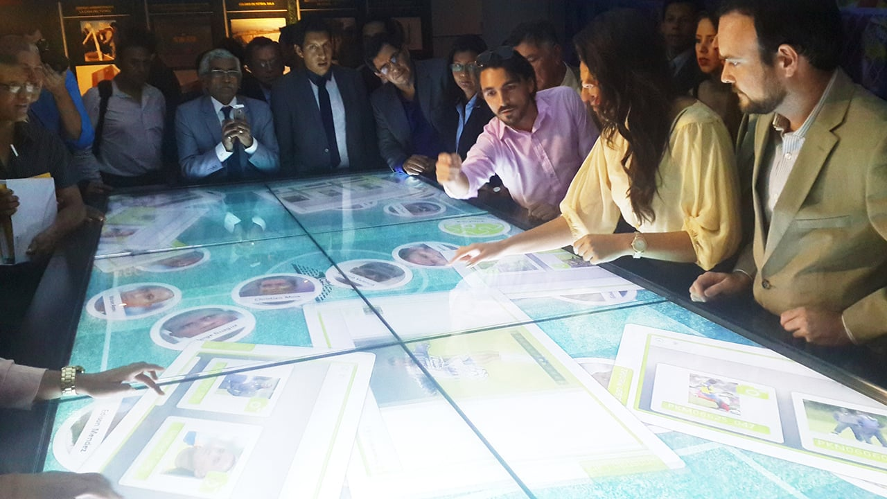 Multi Touch Table Museum Ecuador Football Team Interactive Signage