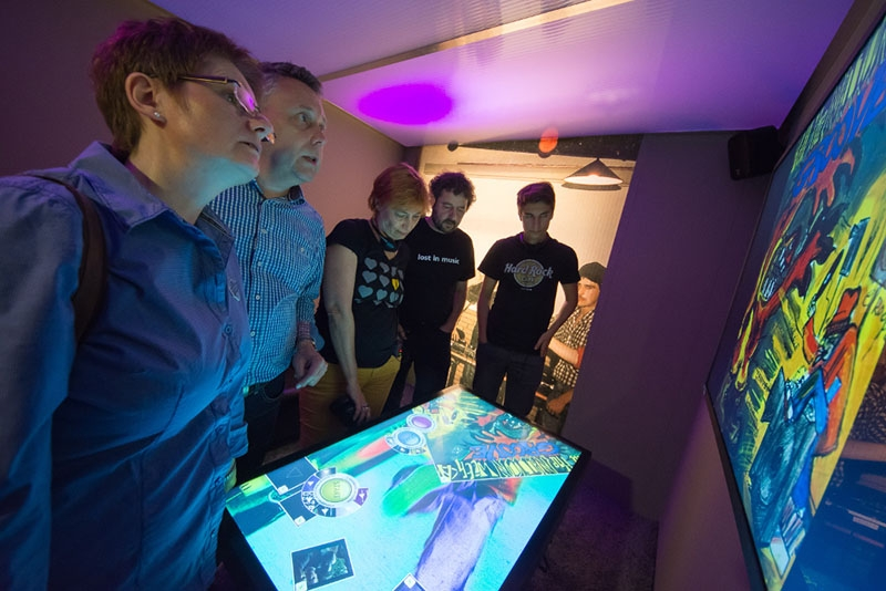 MultiTouch Apps im Rock & Pop Museum in Gronau