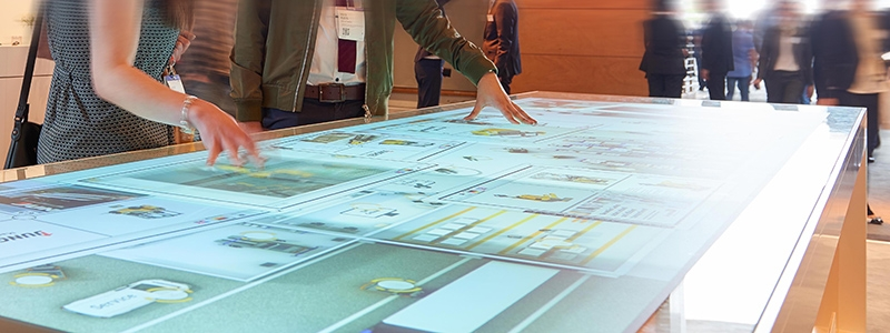Jungheinrich: Trade fair software for XXL multi touch table